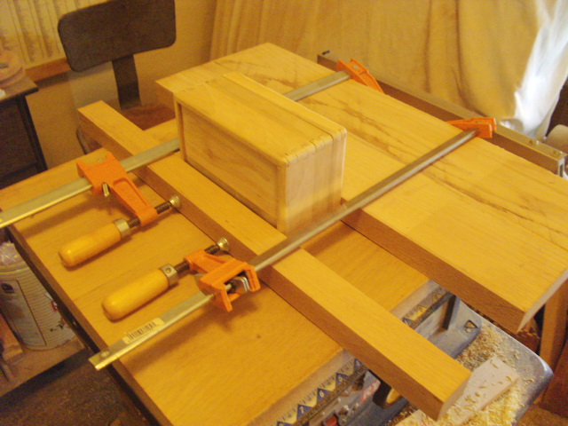The Clamp Set-up for Gluing the Hinges