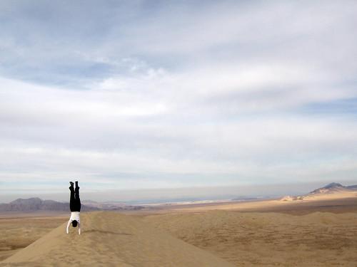 Dune-top handstand