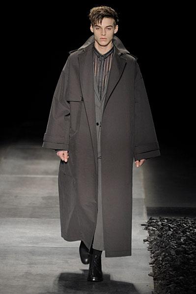 Robbie Wadge3215_FW10_Paris_Dior Homme(nikestav10@mh)
