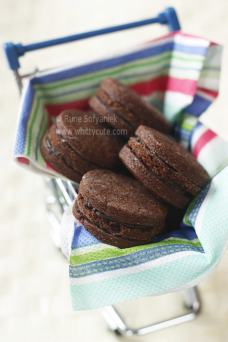 Mud Cake Cookies Sandwiches