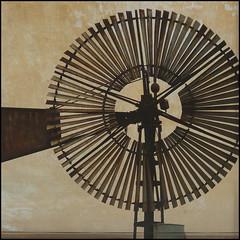 windless (l'homme de l'autre rive) Tags: vent wind roue éolienne magicunicornverybest