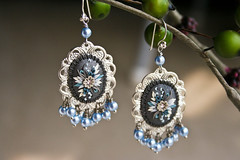 arctic she-wolf earrings (Chili Crab) Tags: flowers blue winter white snow ice leaves silver grey one lemon