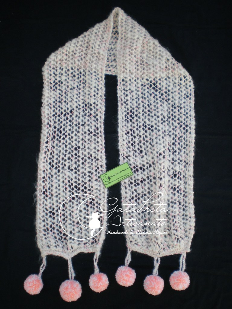 Cachecol tricot Fluffy Pom-pom1 (GataPreta Artesanato) Tags  winter scarf  tricot crochet b9da182e3bf