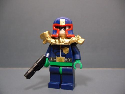 Judge Dredd custom minifig