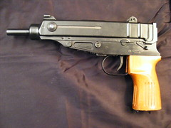Skorpin 32 ACP (weaponeer) Tags: