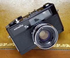 Minolta Hi-Matic 7s Rangefinder - 1973 (Casual Camera Collector) Tags: 35mm rangefinder himatic filmcamera minolta7s minoltacameracompany