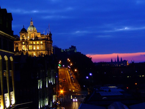 Bank of Scotland building, dusk