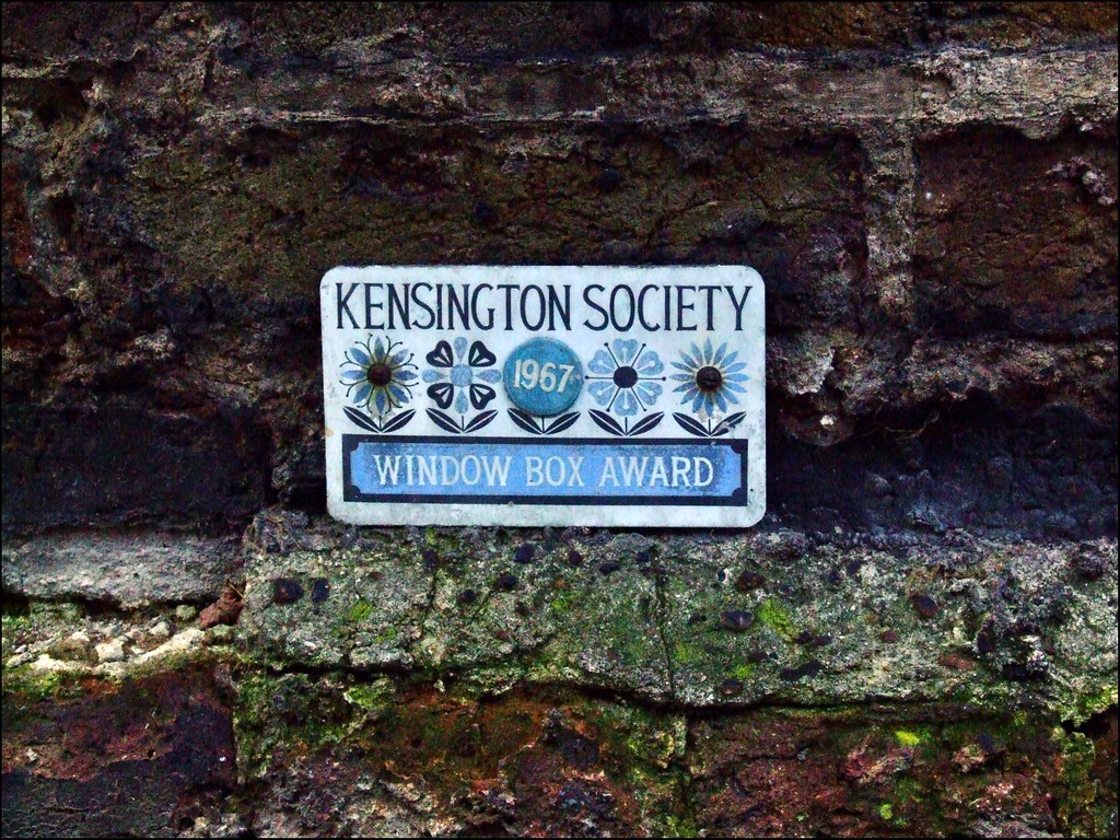 Kensington Mews - From stables to mansions