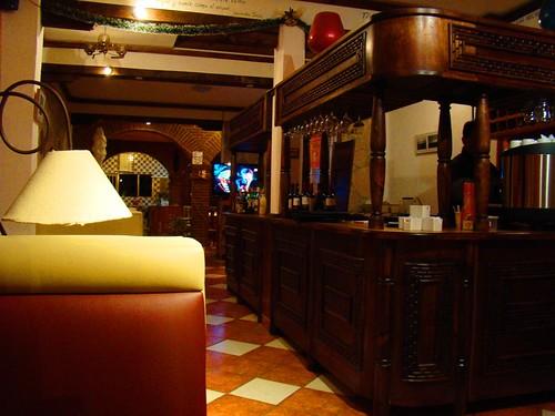 Dentro de un café en el callejón del Arco del Carmen 2