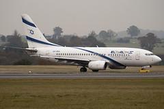 4X-EKE - 29961 - El Al Israel Airlines - Boeing 737-758 - Luton - 091111 - Steven Gray - IMG_4433