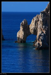 The Window to the Pacific (raul_the_truck) Tags: ocean california blue sea sun hot water mexico daylight cabo nikon pacific sunny arches baja picnik cabosanlucas saltwater seaofcortez d80 gorgeaous
