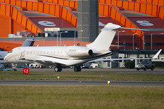 VQ-BGS - 9254 - Private - Bombardier BD-700-1A10 Global Express XRS - Luton - 091201 - Steven Gray - IMG_4717
