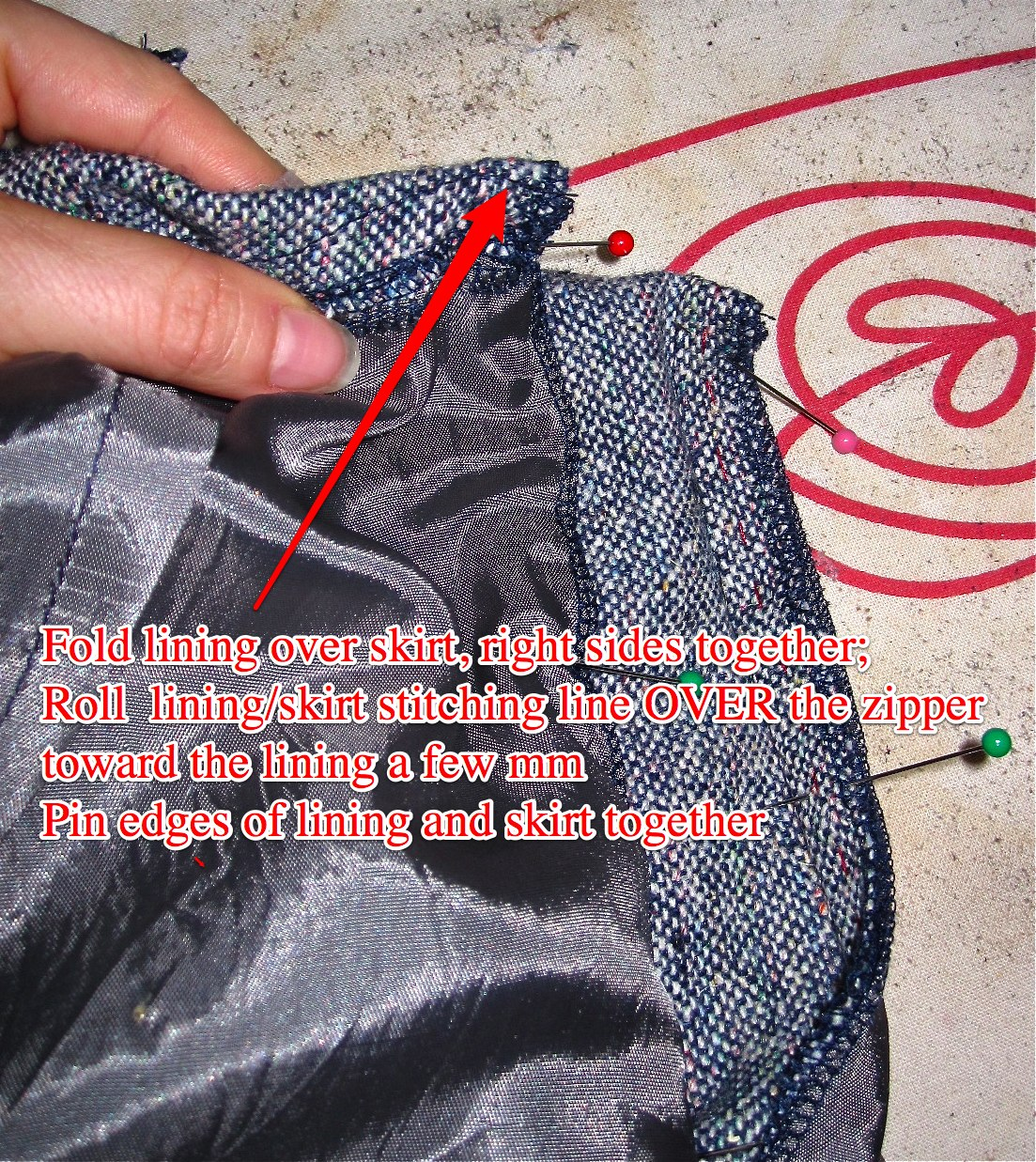 Roll Fashion Fabric Over Lining Slightly