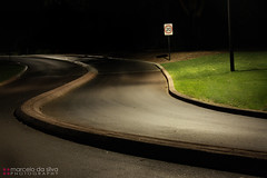 2O ( marcelo) Tags: road park wet night canon noche streetsign australia perth winding kingspark 40d marcelodasilva panoramauy