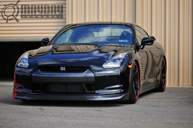 This ominous GT-R awaits on the sidelines for an unsuspecting Supra to gobble up