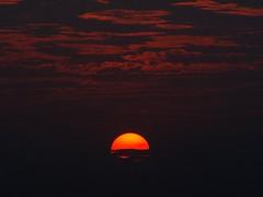 [フリー画像] [自然風景] [夕日/夕焼け/夕暮れ] [空の風景] [雲の風景]       [フリー素材]