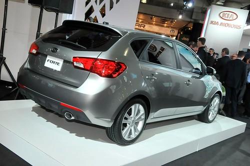 4494694582 8c6bca7ec7 Novos Kia Cerato Hatch e Koup 2011 no fim do ano no Brasil