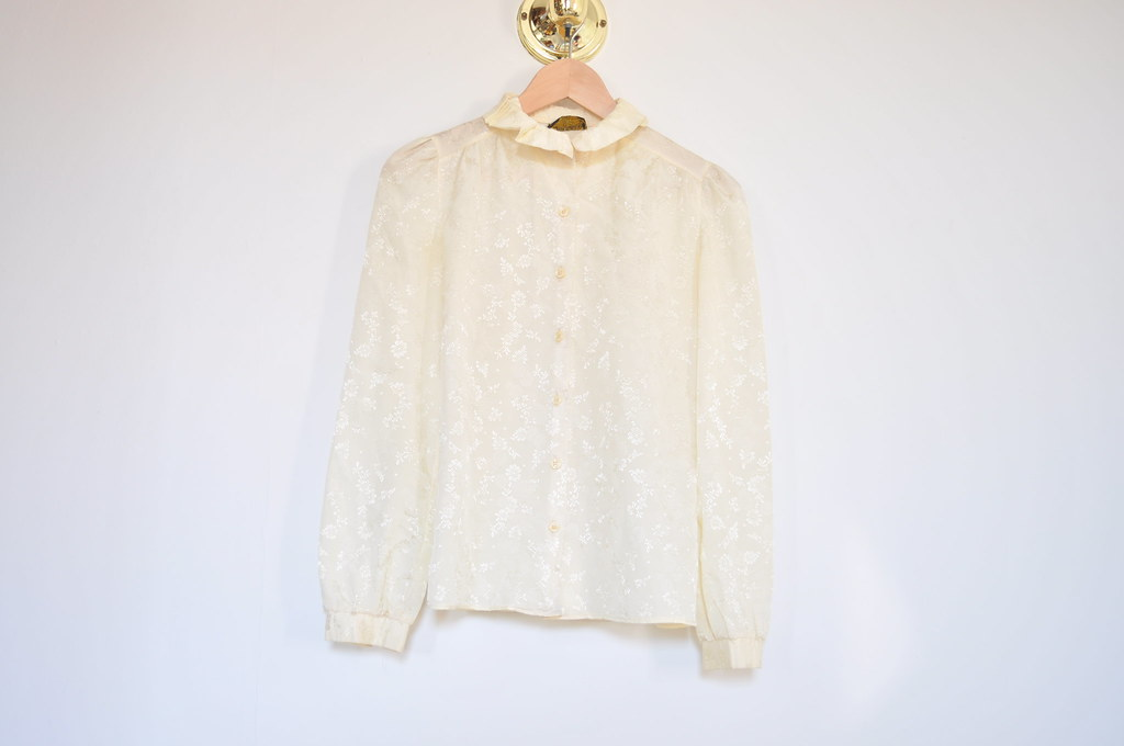 vintage ruffle collar blouse