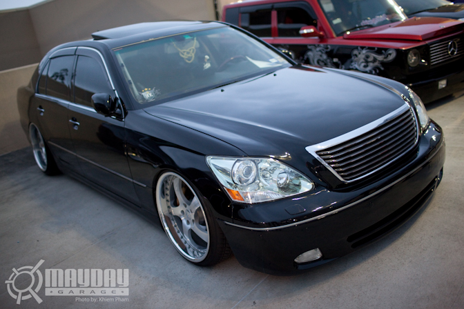 A flawless LS430 sitting in the RE booth.