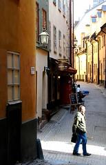 Kryp In (Let Ideas Compete) Tags: street man restaurant spring sweden stockholm spirit cobblestone stan soul essence scandinavia oldtown narrow scandinavian gamla restaurang krypin soulofstockholm spiritofstockholm