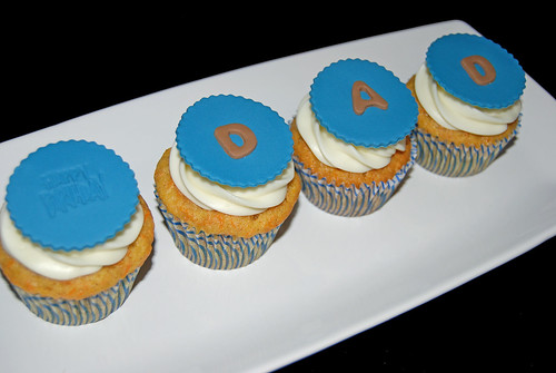 Happy Birthday Dad cupcakes blue and brown