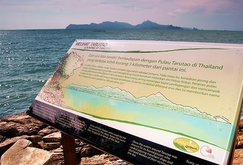 2010-04-20-pasir-tengkorak-beach-tarutao-01-800w