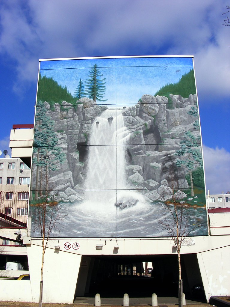 Broadwater Farm Estate Waterfall Mural