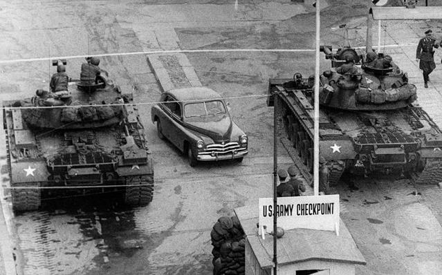 柏林墙倒塌照片11