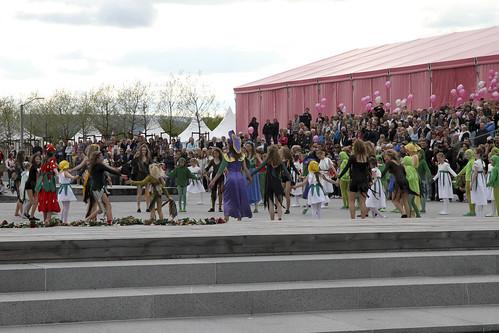 Folkefest på Fornebu