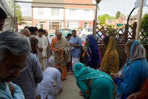 H H Bhakti Caru Swami 2010 - 0011 por ISKCON desire tree.