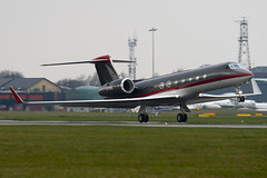 G-CGUL - 5176 - Gama Aviation - Gulfstream G550 - Luton - 100412 - Steven Gray - IMG_9823
