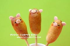 Piggy corn dogs (luckysundae) Tags: kawaii bento obento makiogawa charaben kyaraben cuteobento luckysundae 501bentoboxlunches kawaiiobento yumyumbentobox cuteobentocom