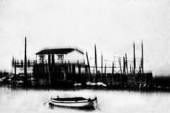 (Effe.Effe) Tags: sea bw italy blur texture monochrome boat fishing barca mare grain blurred bn pesca ancona mosso grana desenfocado sfocato trabocco palafitta torrette