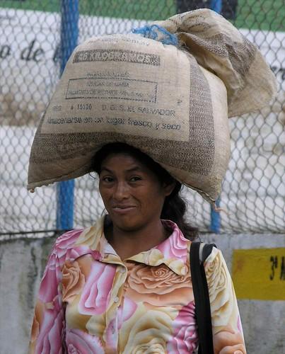 Woman carrying corn - Mujer llevando maiz; Alegria, Usulután, El Salvador