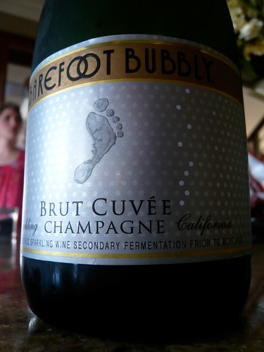 Barefoot bubbly!