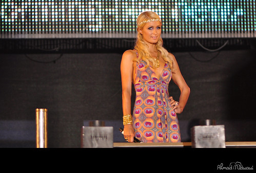 Twitter Paris Hilton