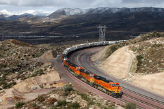 Eastbound BNSF Train at Cajon Summit (Dave Toussaint (www.photographersnature.com)) Tags: california travel usa snow nature canon landscape photo photographer picture bnsf 2010 eastbound worldfamous intermodal burlingtonnorthernsantafe cajonpass es44dc cajonsummit stacktrain 40d photographersnaturecom davetoussaint davetoussaintcom cajonsubdivision