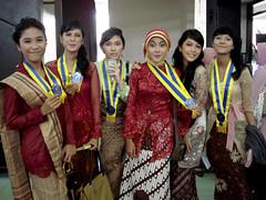 wisuda purnasiswa (abenheur) Tags: indonesia graduation hijab kebaya seniorhighschool