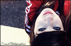 High in the sky (theREDHAIREDgirl.) Tags: sky reflection me canon hair eyes yo ojos cielo reflejo adidas pelo