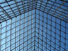 to the sky: Louvre Pyramid (Pyramide du Louvre) (dominotic) Tags: paris france louvre museum pyramidedulouvre angle glass pyramid unusual blue cloudless sky sundaylights