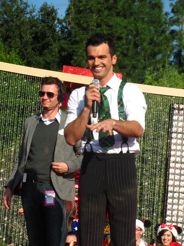 Tony Dovolani says hello and thank you to the audience