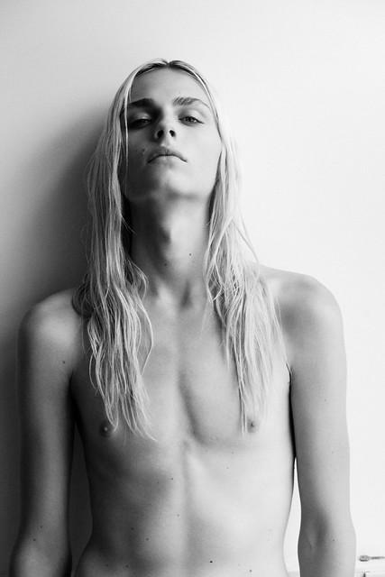 Andrej Pejic0179_i-D_Ph Thomas Lohr(Fashionisto)