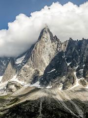 Les drus (françoiskratzeisen) Tags: les drus aiguille chamonix mont blanc alpes mer de glace montenvers pic point roche rock nuage sommet mountain berg flog françois kratzeisen 6d moraine savoie haute