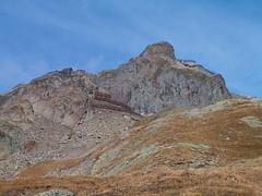 Blick hinauf zum Hockenhorn (BE/VS - 3`293m - 1x) an der Grenze vom Kanton Bern und Wallis / Valais in der Schweiz (chrchr_75) Tags: mountains alps nature landscape schweiz switzerland suisse swiss herbst natur berge alpen christoph svizzera landschaft wallis wandern valais 0510 wanderung wanderweg lauchernalp suissa ltschental kanton chrigu chrchr kantonwallis hurni hockenhorn chrchr75 chriguhurni albumhockenhorn2005 albumunterwegsindenwalliseralpen hurni051022