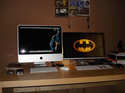Escritorio con dos monitores