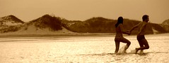 ju e celso a nadar (alvez) Tags: reveillon summer brazil sun sol praia beach brasil playa verano brazilian galera garopaba ferrugem brasileiro sul guarda calor guardadoembau verao