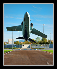 Il rischio è il mio mestiere.... (Lonelywolphoto / Dan Enrietti) Tags: italy torino europa europe italia piemonte aereo a900 sonyalphadslr sonyalphaitalia sonya900 lonelywolphoto