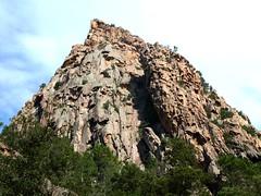 Le Castellu d'Urnucciu au-dessus du départ du canyon de la Vacca