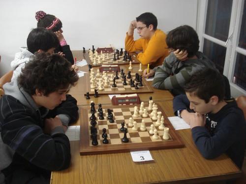 La categoria SUB14 amb la partida Eric Casanovas vs Ferran Gras a la taula 3...
