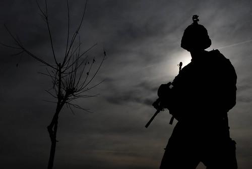 フリー画像| 戦争写真| 兵士/ソルジャー| シルエット| アメリカ軍兵士|       フリー素材|